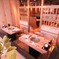 棚や壁で仕切られたテーブル席。会社での宴会・女子会・同窓会・接待などに最適なお部屋です!