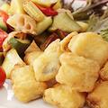 料理メニュー写真白身フライのゴロゴロ野菜添え