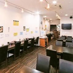 二郎系ラーメン 麺匠 やま虎 本通本店の雰囲気1