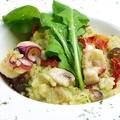 料理メニュー写真タコとドライトマトのジェノヴァ風リゾット