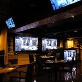 煌びやかなテーブル席のレストランエリアと、種類豊富な酒類が並ぶバーエリアの2つで構成☆設備も充実で幹事様も安心!