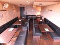 30名様~最大で45名様の2階ソファー貸し切りでのテーブルセットです。