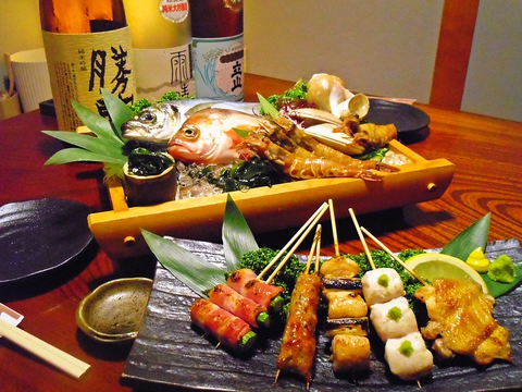 旬できときとの魚と、炭火焼が、両方楽しめるお店。味わいながら美味しいお酒を。