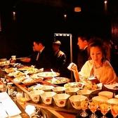 ビュッフェ形式のパーティーでは色鮮やかなお料理が愉しめます