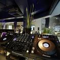 DJブース & JBLパワード・スピーカー搭載!!!音響設備も完璧♪大型モニターでDVDも流せます!!!その他マイク等のパーティー・アイテムも完備☆
