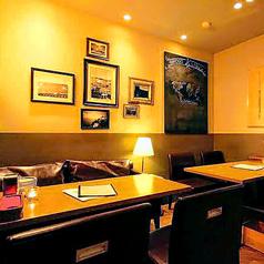 2名テーブルも多数ご用意しております!!デートにももちろんOK◎暖色系の照明が雰囲気をグッと盛り上げます♪
