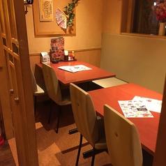 テーブル16席