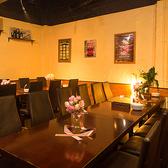 ウッドテイストの雰囲気が良い店内。デート、記念日、貸切パーティー、女子会...etc.様々なシーンでご利用頂けます。