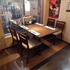 4人掛け×2テーブル