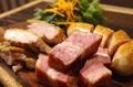 料理メニュー写真レガーロの肉盛り
