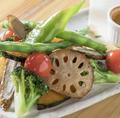 料理メニュー写真薪窯焼き!!ゴロゴロ野菜のバーニャカウダ