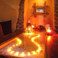 輝くテーブルのソファ個室