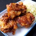 料理メニュー写真自家製から揚げ【マヨネーズ・油淋鶏ソース・タルタル】