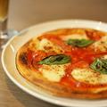 料理メニュー写真王道フレッシュトマトのマルゲリータ