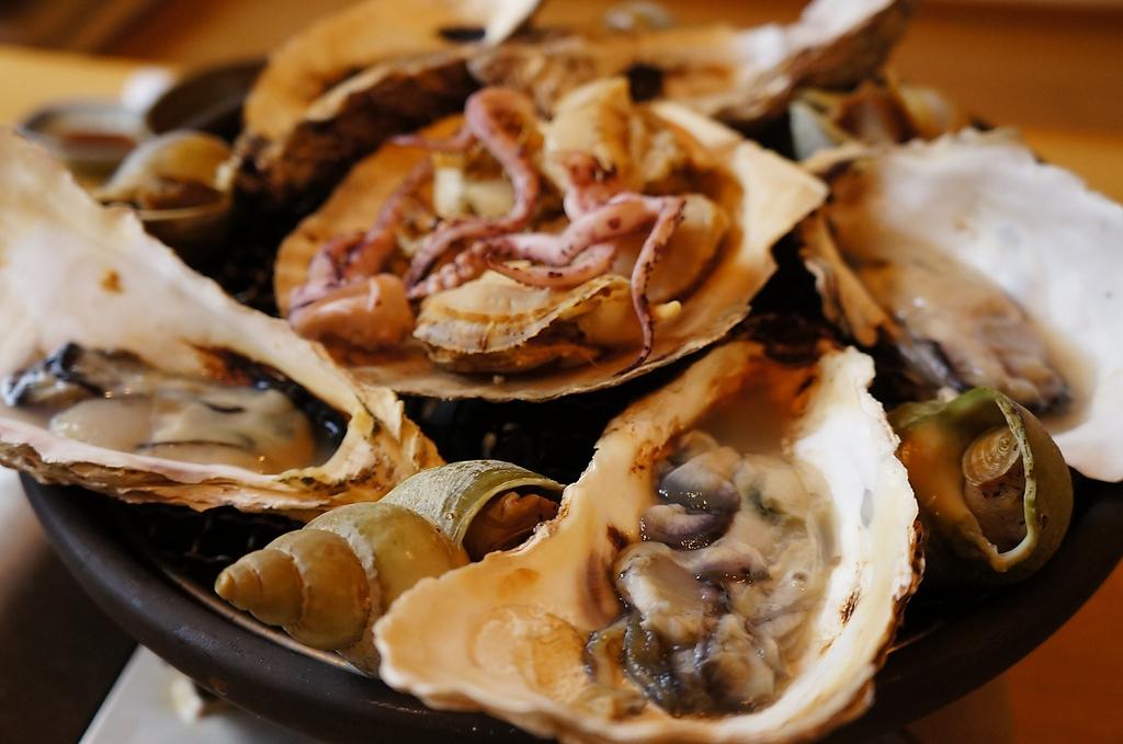 牡蠣焼きなど海の幸も存分に楽しめる♪