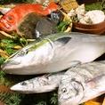 旬の鮮魚を丸ごと仕入れ丁寧に捌く。