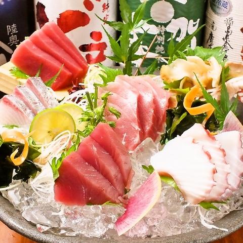 銘酒と魚河岸直送の魚が自慢。和の趣溢れる木造の店内、船橋駅近くに佇む隠れ家的名店