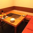 テーブルに鉄板と明石焼き器がついています♪
