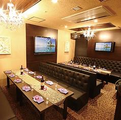 【BALINA】同ビル内に併設のゴージャスな完全個室です♪宴会にぴったりなカラオケ完備、美味しい料理が自慢です。※15~25名様収容可能