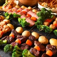 出来立てのお肉などを、皆様のお席まで配り歩きタイム☆