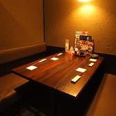 広々使える4名様用のテーブル席