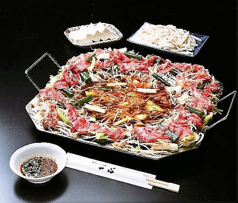 京都銀閣寺本店発祥のオリジナル鍋料理。鍋でたく 一風かわった鍋料理の老舗。