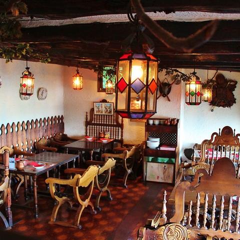 静岡で愛されて40年。駿河湾を眺めながら伝統のスペイン料理を。