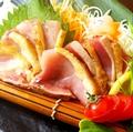 料理メニュー写真鹿児島県産種鶏のタタキ