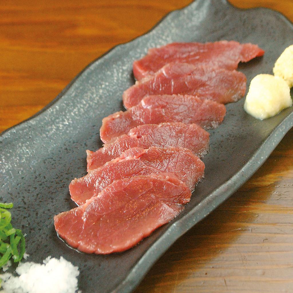 熊本直送馬刺し!本当の馬刺しの美味しさはここでしか味わえません!
