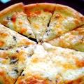 料理メニュー写真ピザ(ブルーチーズorマルゲリータ)