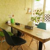 部活帰りにわいわい楽しむならこちらのテーブル席へ。みんなでシェアできるアラカルト料理が並べやすい広々としたテーブル席♪大きいお荷物があっても問題ナシ◎の広々としたお席です!(テーブル席は予約をおすすめします)