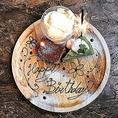 ◆誕生日や記念日などの大切な日にご来店されたお客様にはささやかながら当店より特製ケーキを無料サービス致します♪簡単なメッセージも入れられますのでサプライズなどにもご利用頂けます♪また、大型宴会にも大変ご好評を頂いております♪団体様には貸切対応も致しますのでお気軽にお問い合わせを♪