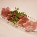料理メニュー写真18ケ月熟成プロシュートとイタリア産ハムの盛り合わせ