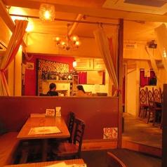 ワイワイ騒げる雰囲気のバルスタイル!壁にはおすすめメニューがたくさん飾られています☆少人数飲み会から、最大50人のご宴会まで、幅広くお使い頂けます!