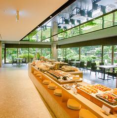 All Day Dining Shizuku オールデイダイニング シズク アートホテル小倉ニュータガワの雰囲気1