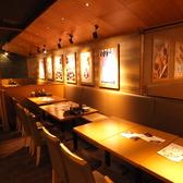 宴会・飲み会を愉しむ、テーブル席をご用意しております。にぎやかな店内で、おいしいお酒とお食事をお楽しみください♪