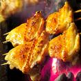 県産鶏を大きめにカット!じっくりと炭火で焼き上げるからこそ肉汁もしっかり楽しめる♪