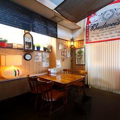 広いテーブル席!20名までワンフロアでお楽しみいただけます。飲み放題付宴会コースも4400円(税込)から!