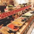 ビュッフェには常時30種類以上のアイテム!バラエティ豊富で苦手な食材がある方でも食べられるものがきっと見つかる♪新鮮なお野菜やブラジルの絶品料理をご堪能ください。貸切パーティーの際、お料理がすぐなくなってしまう!ということがなく、ゲストの方皆様にお食事がいきわたるよう、工夫して提供いたします。