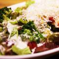 料理メニュー写真ワイルドシーザーサラダ