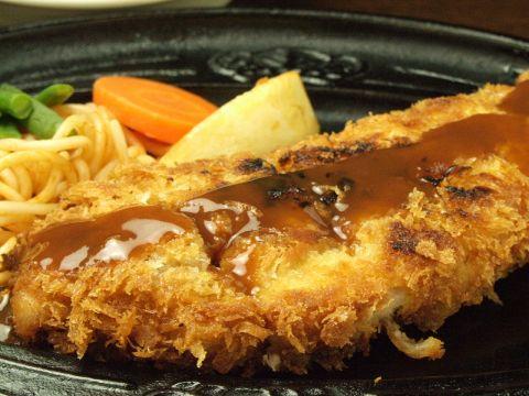 揚げてない豚カツだから「焼カツ」です!元祖・焼カツ専門店の桃タローへお越し下さい