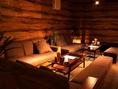 リゾート空間のソファ席。レザーソファとは違った印象です♪