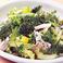 アボカドとハーブチキンのグリーンサラダ