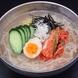 韓国料理も超本格的。1品モノなら冷麺!