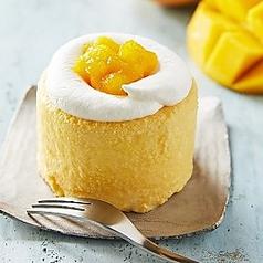 料理メニュー写真<期間限定>ふわとろマンゴーショートケーキ