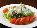 料理メニュー写真トマトとモッツァレラのイタリアンサラダ
