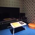 シアタールーム。49インチの湾曲テレビを導入しました。PC・DVD・BL使用可能♪湾曲テレビの未体験ゾーンを体感ください。