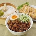 料理メニュー写真台湾で人気な雛排(ジーパイ)台湾のチキンカツ