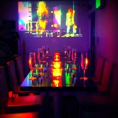 蒼く光る癒しの深海空間テーブル席4~8名/合コンや女子会に誕生日会に大人気:煌めく照明と心地良い音楽に身も心も癒されるかも