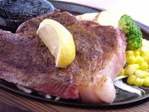 本格ステーキ、ハンバーグを手頃なお値段で提供します。